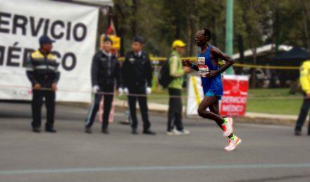 """""""Sientes cómo se desbarata tu pie cuando cae al suelo"""". ¿Qué es lo más complicado de correr un maratón?"""
