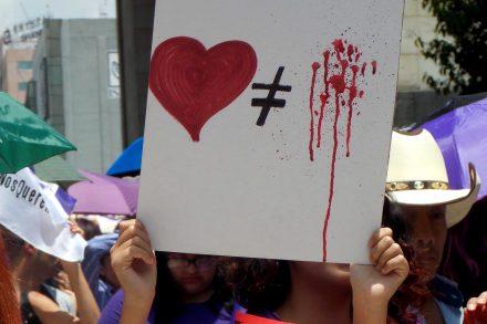 ¿Quiénes generan la violencia hacia la mujer?