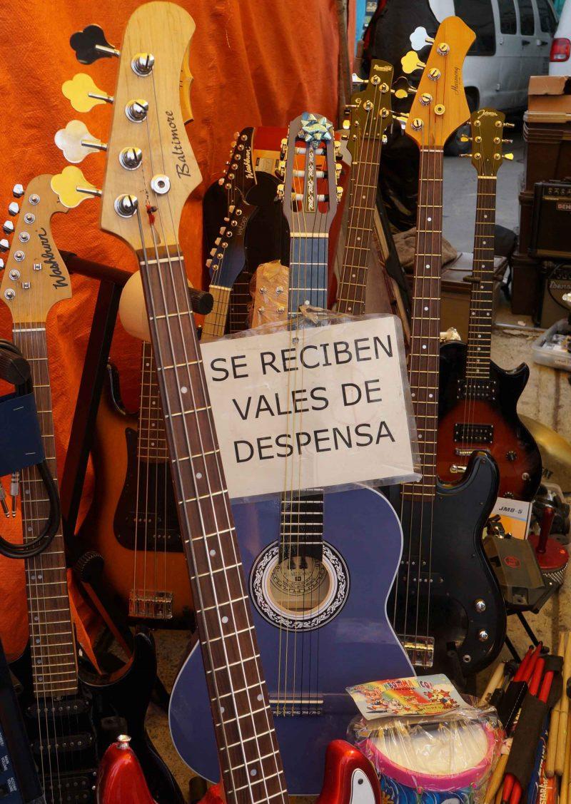 El tianguis de los músicos. Un paseo entre música y microbuses